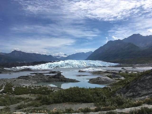 The Brown Bear is just 10 miles from the majestic Matanuska Glacier!  Glacier Trekking is incredible!