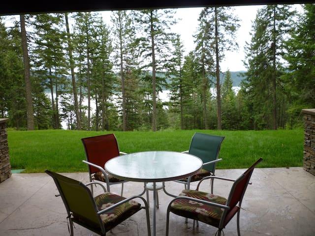 Dine overlooking Lake Coeur d'Alene