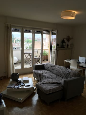 Cosy and quiet flat with balcony & garage