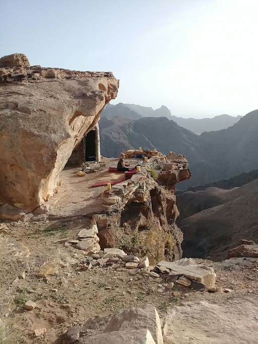 The cave where you can spend your night and sleep!