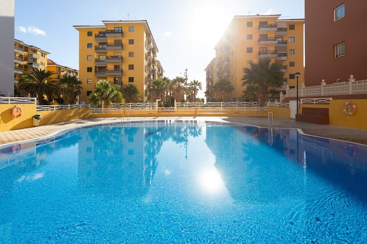 HomeLike Charming Caletillas Pool + Wifi