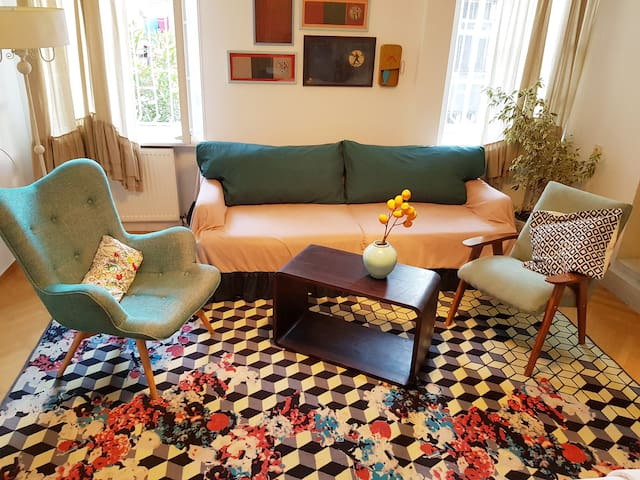 *-25%*Cool retro space in old town