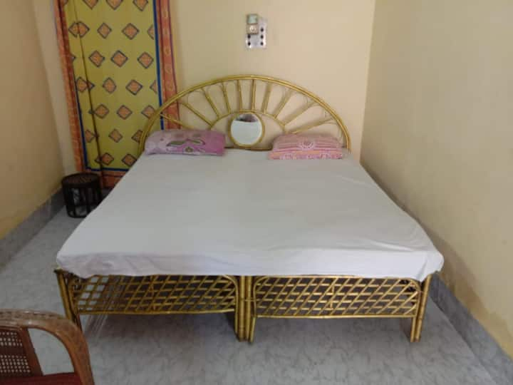Chaitanya paying guest house