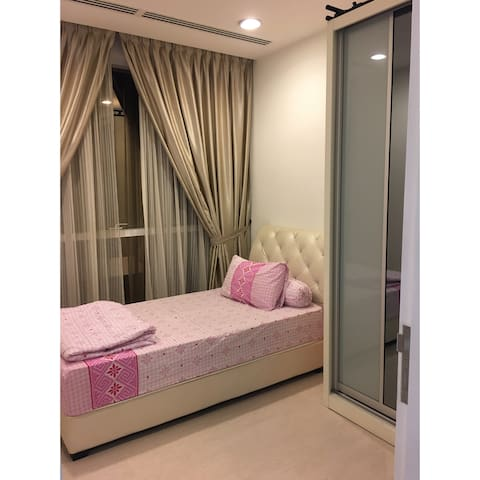 Private Room Nearby KLCC & LRT Station