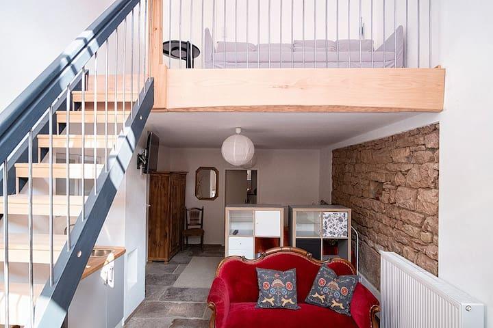 Modernes Studio in Bauernhausscheune am See