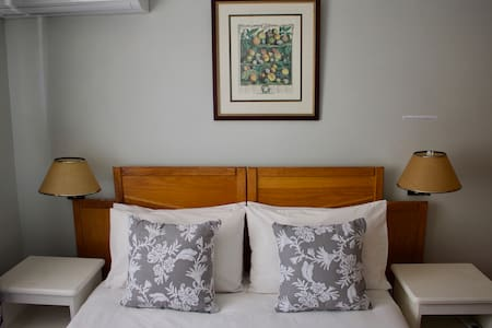 Affordable stay in Reverie Guest House #5