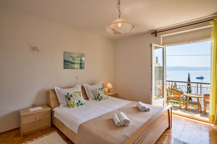 Two-Bedroom Apartment Merica
