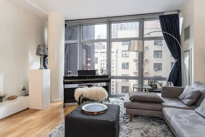 Central Park Luxury One bedroom with amenities