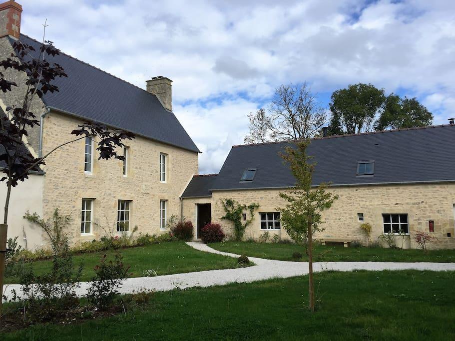maison de famille maisons louer saint pierre du mont normandie france. Black Bedroom Furniture Sets. Home Design Ideas