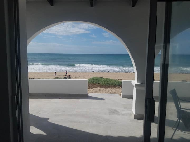 Great Beachfront private 2BR 2BA home, new remodel