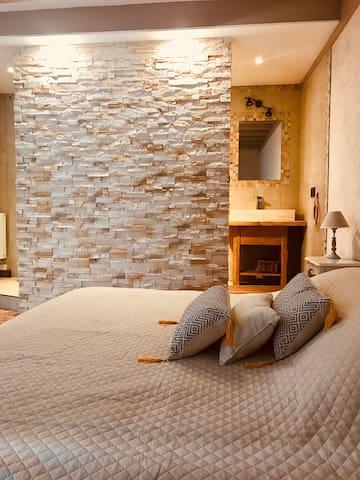 Domaine de Vandenesse & Spa chambre Osiris