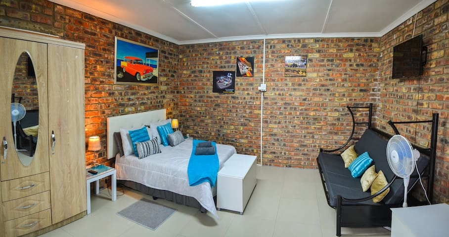 Addo Park Mountain View Apartment