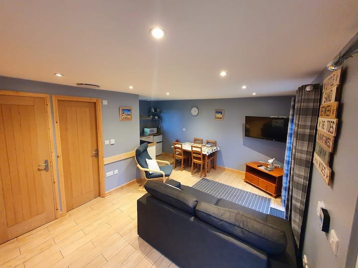 41 Tudor Court - sleep 4 - near St Ives