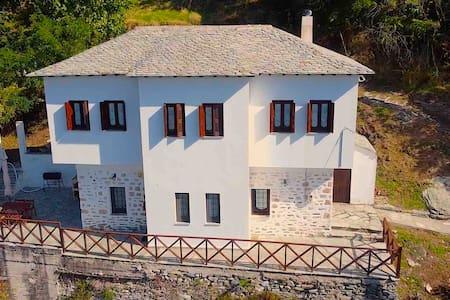 Makrinitsa Traditional House