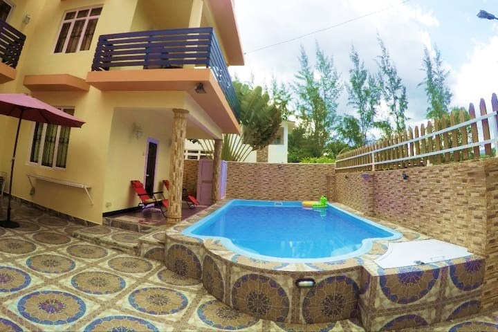 Villa Riambel with Pool near the Beach