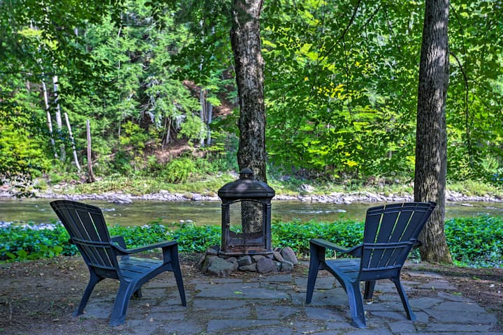 NEW! Creekfront Home w/ Deck in Livingston Manor!