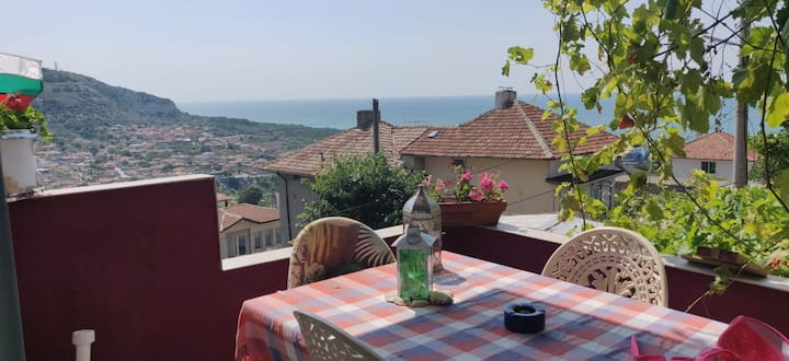 Family house in the heart of Balchik. Seaview