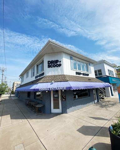 Whole House, Heart of downtown OCNJ, Sleeps 10!