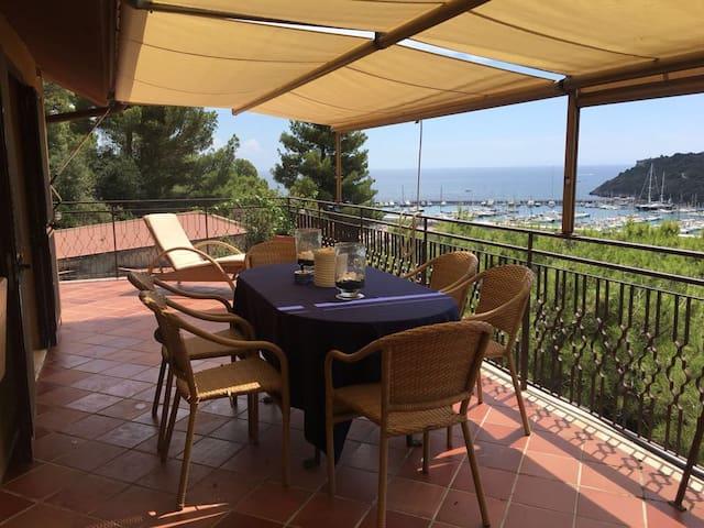 Appartamento  con meravigliosa terrazza vista mare