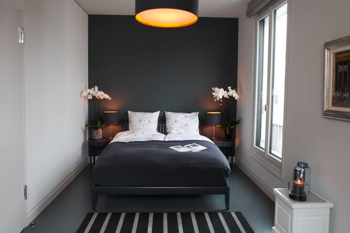 Private Room in luxury Villa