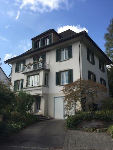 Wohnen im 100 j. Haus mit Aussicht auf die Stadt