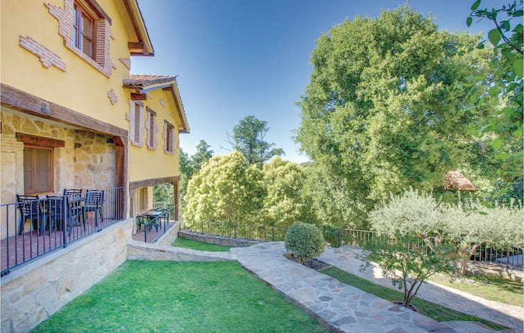 Terraced house with 3 bedrooms on 85m² in Casas del Monte