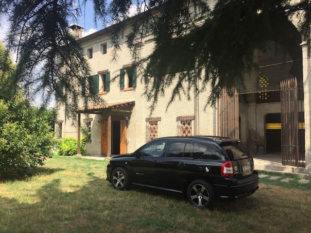 Casale grande e accogliente - Frassinelle Polesine - บ้าน