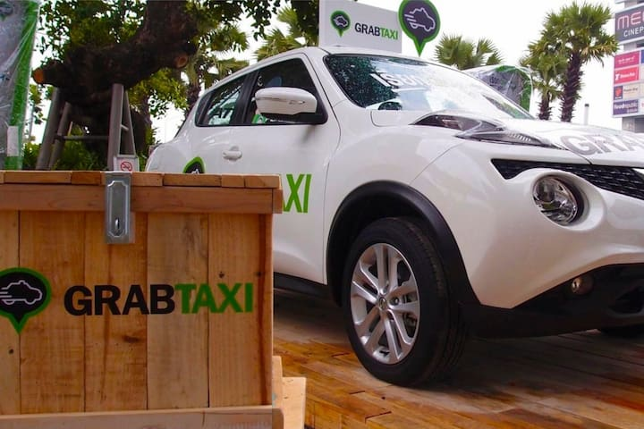 Grab is highly recommended, it is a bit cheaper than taxi