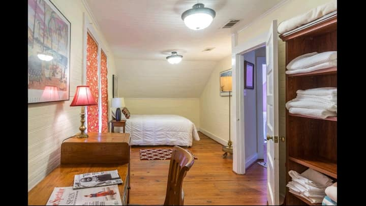 Perfect Room in Historic Home for ext. Stay!