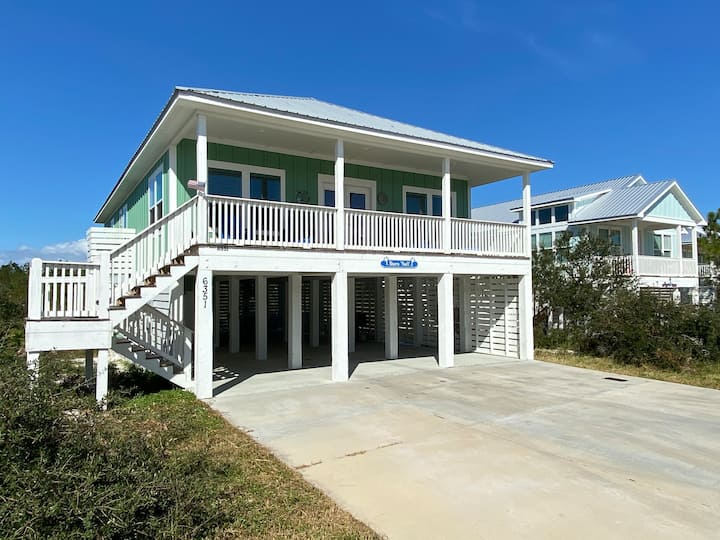 NEW to Rental! Sleeps 12, Steps from the beach