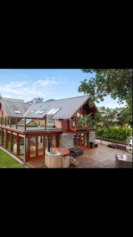 Relaxing River View Retreat - Brecon Beacons