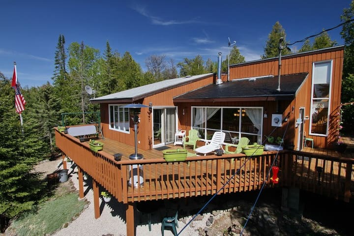 CANAM RESORTS - CANAM LAKE HOUSE - Tobermory - Cabin