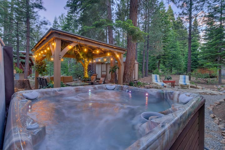 Ski Northstar/Squaw, Walk to Beach, Private Spa!