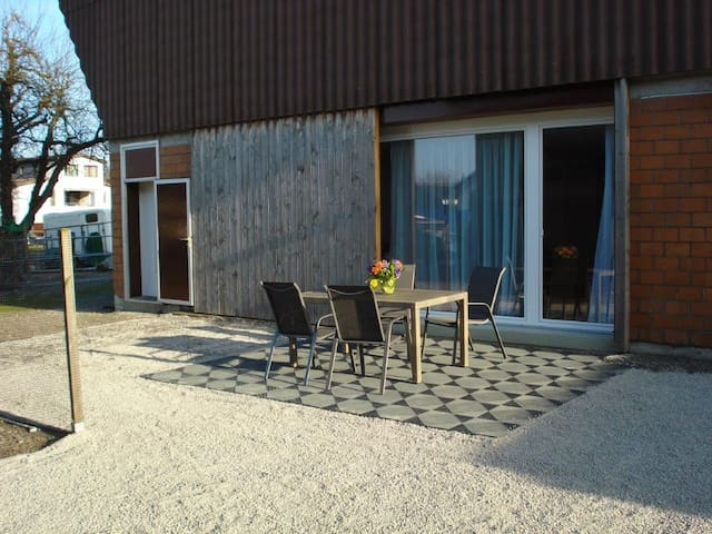 Beautiful appartement with separate kitchen - Ermensee - Huoneisto