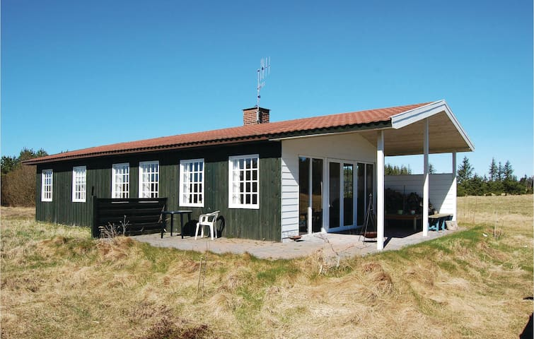 Holiday cottage with 2 bedrooms on 75m² in Thisted