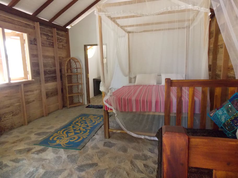Room with doublebed