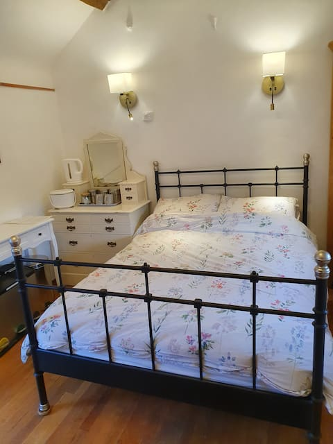 Charming Double Room, Parsonage Farm, Croscombe