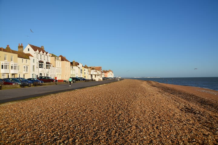 Seafront luxury house - Deal - Dom