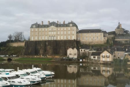 Vue incroyable sur château de Sablé - Sablé-sur-Sarthe - Hus
