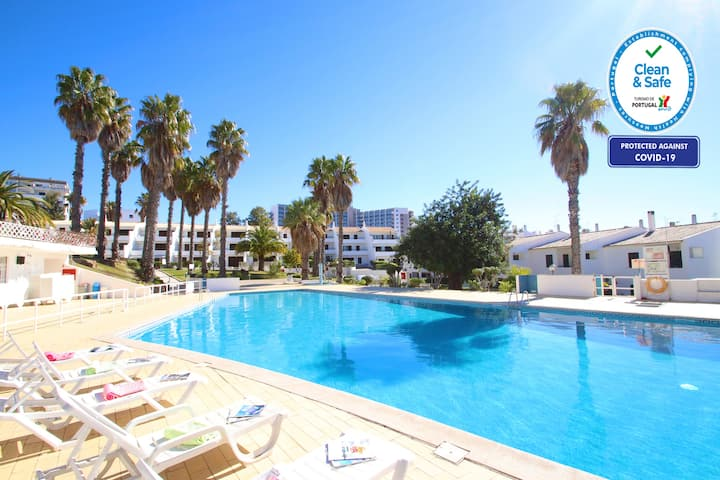 LOVELY APARTMENT FREE WIFI, AIR CON, COMMUNAL POOL