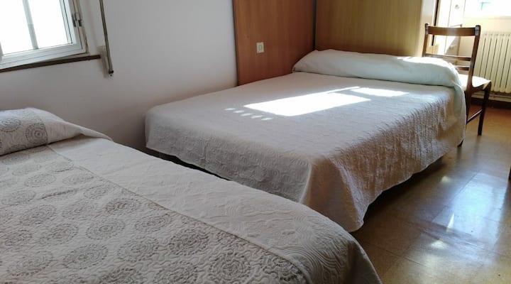 Habitación tranquila + WiFi + calefacción