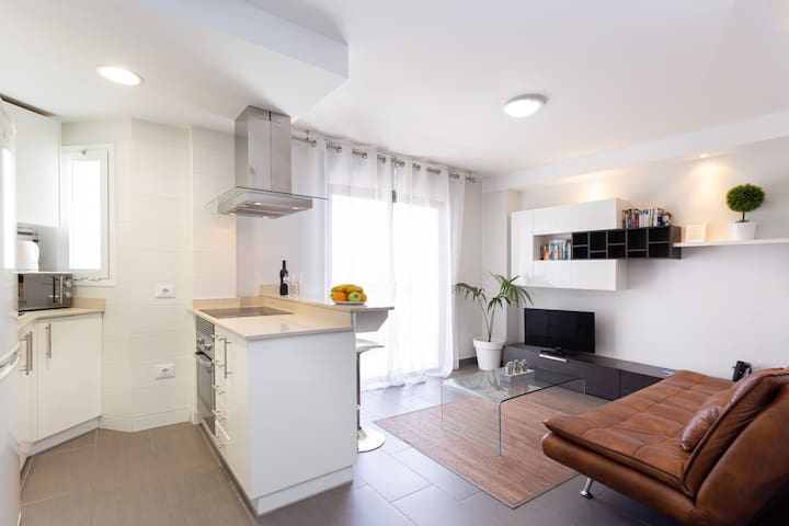 Nice Apartment With Pool , Wifi .