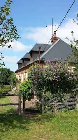 La Maison dans la prairie au cœur de la Normandie - Le Bosc-Renoult