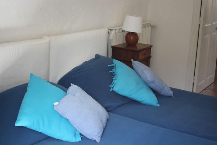 Chambre n°1, deux lits simples de 90cm.