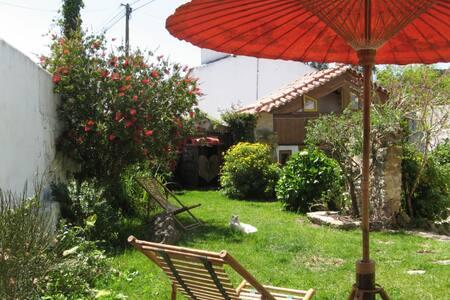 Timeless House - nature design house and garden - Óbidos