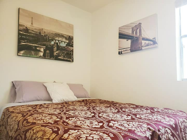 Spacious,Serene - Queen Size Room in Austin DT