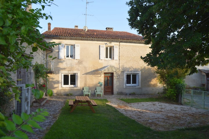 """Maison de village """"la menuiserie"""" pour 6 personnes"""