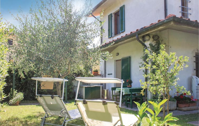 Holiday cottage with 2 bedrooms on 60 m² in Marciana Di Cascina PI