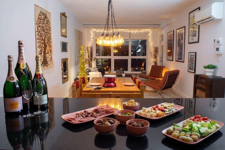 Moonlight & Eli Champagne & Fondue Experience