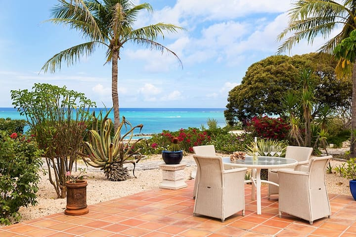 Top of the hill guest house - Providenciales - House